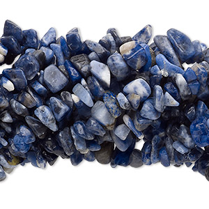 Bead, sodalite (natural), medium chip with 0.5-1.5mm hole, Mohs hardness 5 to 6. Sold per pkg of (10) 34-inch strands.