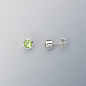 Earring, sterling silver and peridot (natural), 6mm faceted round, 7mm. Sold per pair.
