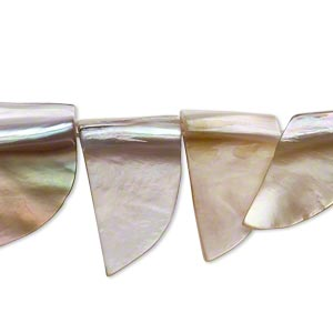 bead, brown lip shell (natural), 12x4mm-16x6mm tooth shape. sold per 15-inch strand.
