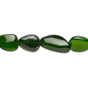 bead, chrome diopside (natural), mini to medium graduated hand-cut tumbled nugget with 0.4-1.4mm hole, mohs hardness 5-1/2 to 6. sold per 8-inch strand, approximately 15-20 beads.