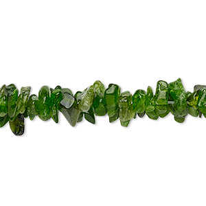 bead, chrome diopside (natural), small to large chip with 0.5-1.5mm hole, mohs hardness 5-1/2 to 6. sold per 16-inch strand.