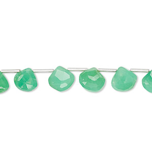bead, chrysoprase (natural), 6x6mm-7x7mm hand-cut top-drilled faceted flat teardrop, b grade, mohs hardness 6-1/2 to 7. sold per 4-inch strand, approximately 10 beads.