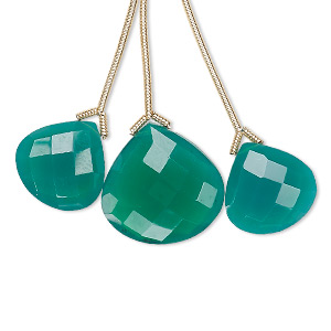 bead, green onyx (dyed), 14x14mm and 18x18mm hand-cut top-drilled faceted pear, b grade, mohs hardness 6-1/2 to 7. sold per pkg of 3 beads.