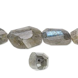 bead, labradorite (natural), medium hand-cut faceted nugget, mohs hardness 6 to 6-1/2. sold per 16-inch strand.