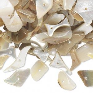 bead mix, gold lip shell (natural), small to extra-large chip, mohs hardness 3-1/2. sold per 1/4 pound pkg, approximately 350 beads. minimum 3 per order.