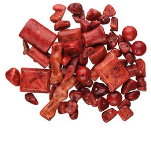 bead mix, sponge coral (dyed), red, 3-40mm mixed shape, mohs hardness 3-1/2 to 4. sold per 1/4 pound pkg, approximately 90-170 beads.
