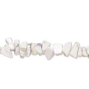 bead, white howlite (natural), small chip, mohs hardness 3 to 3-1/2. sold per 15-inch strand.