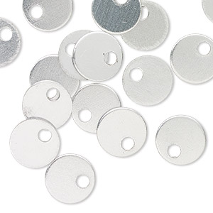 drop, anodized aluminum, silver, 9mm double-sided flat round blank with 2mm hole, 20 gauge. sold per pkg of 20.