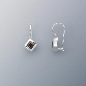earring, sterling silver and garnet (natural), 4x4mm faceted diamond, 19x9mm. sold per pair.
