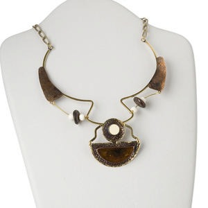 necklace, antiqued brass-plated steel and copper with resin, white and brown, multi-shape, 16 inches with 3-inch extender chain and hook clasp. sold individually.