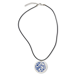 necklace, porcelain / rubber / silver-plated steel, black / blue / white, 40mm flat round with bird and flower design, 17 inches with 1-1/2 inch extender chain and lobster claw clasp. sold individually.
