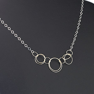 necklace, sterling silver and vermeil, 4x3.5mm oval soldered link chain with 16-22mm center rings, 19-1/2 inches with lobster claw clasp and 1/2 inch extension. sold individually.