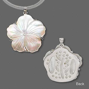 Pendants Mother-Of-Pearl Whites