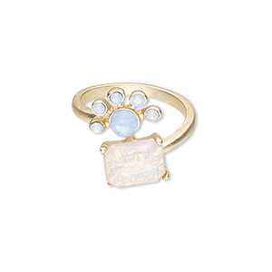 ring, acrylic rhinestone / glass rhinestone / gold-finished pewter (zinc-based alloy), light blue and pink, 20mm wide with square, size 7. sold individually.