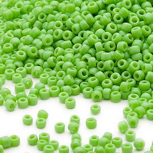 seed bead, dyna-mites™, glass, opaque lime green, #11 round. sold per 40-gram pkg.