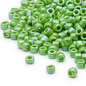 seed bead, dyna-mites™, glass, opaque rainbow jade green, #6 round. sold per 1/2 kilogram pkg.