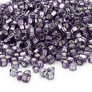 seed bead, dyna-mites™, glass, silver-lined translucent amethyst purple, #6 round with square hole. sold per 40-gram pkg.